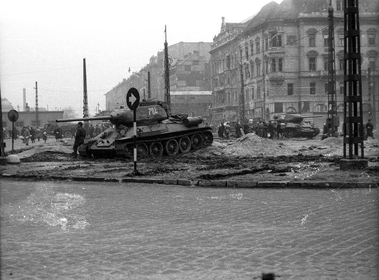 1956. Baross tér a Rákóczi út felől a Kerepesi út felé nézve Kép forrása: Fortepan / Magyar Pál